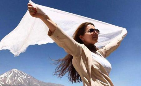 iran-women-white-hijab-reuters_650x400_41498628473